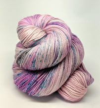 Load image into Gallery viewer, Lilac, 100% Super Wash Merino Yarn, Hand Dyed Fingering/Sock Yarn