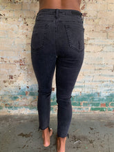 Load image into Gallery viewer, Black High Waist Jeans