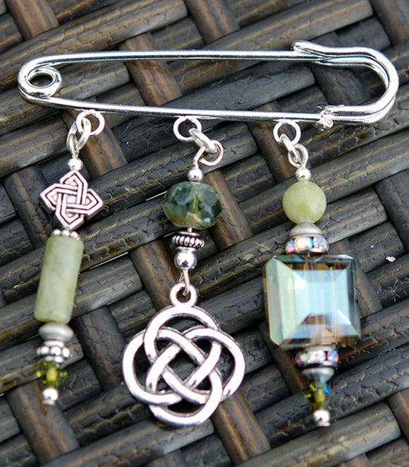 AP-26 Connemara Marble Celtic Pin