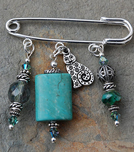 AP-31 Turquoise and Celtic Cat Pin