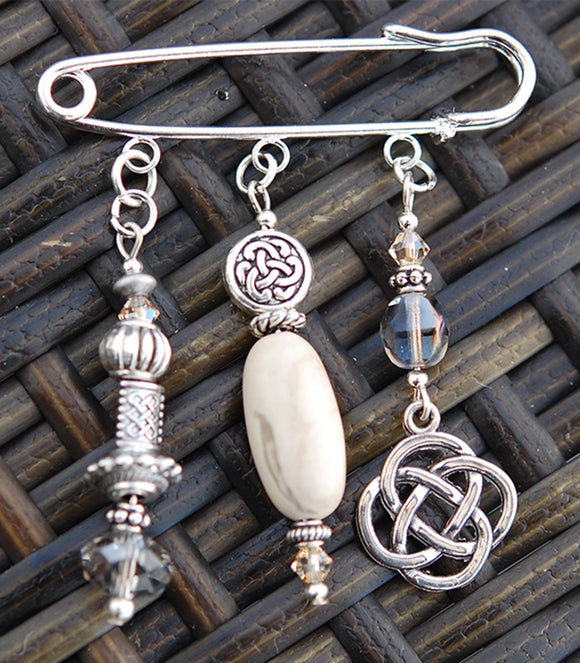 AP-56 Ulster Marble with Celtic Knot Pin