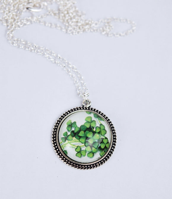 Irish Shamrocks in Beaded Bezel Pendant