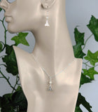 GS668 White Freshwater Pearl with Trinity Knot