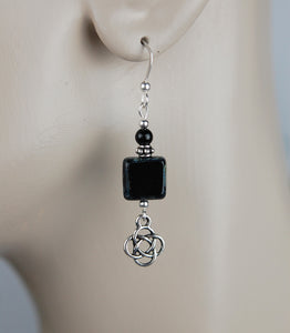 GS699 Black Onyx with Square Picasso Tile Bead