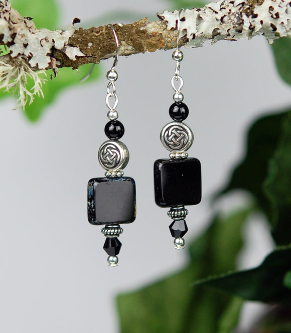 GS713 Black Onyx with Square Tile with Celtic Knot Bead