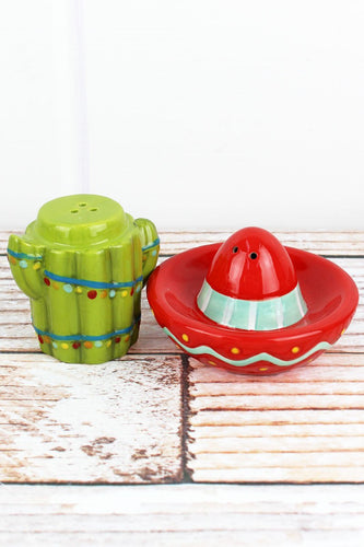 Christmas Cactus Sombrero Salt & Pepper Shaker Set - the-southern-magnolia-too