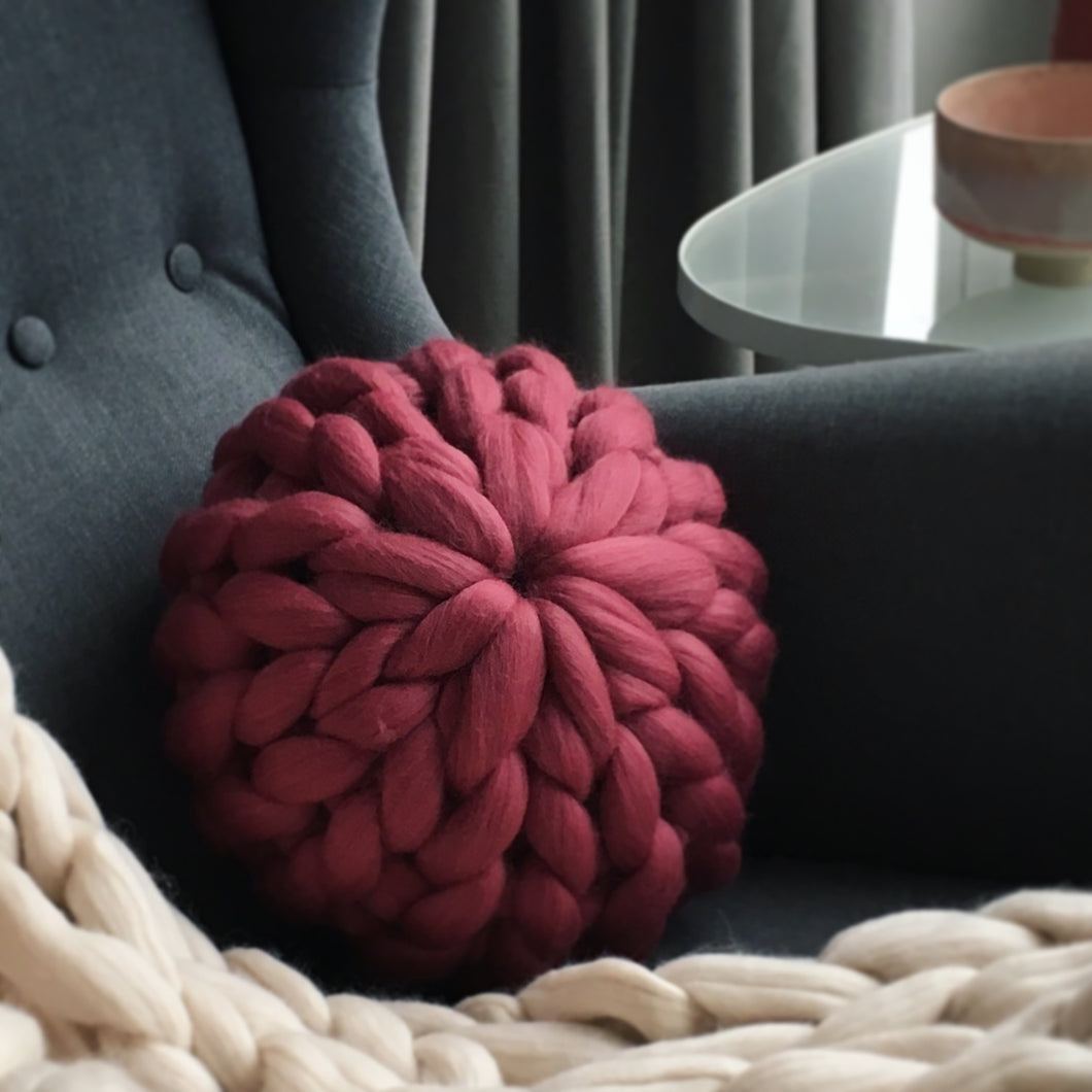 Chunky knit merino round cushion made to order