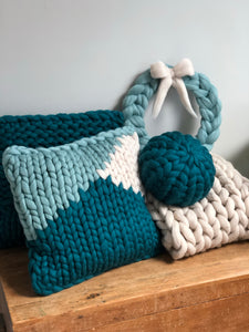 Round chunky knit merino cushion - ready to post