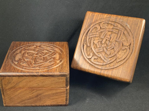 Box Wood with Carved Celtic Knot Round Design Top
