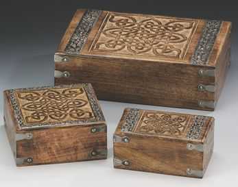 Box Wood with Carved Square Celtic Knot Design