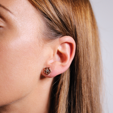 TI SENTO - Milano Earrings 7809ZR in use