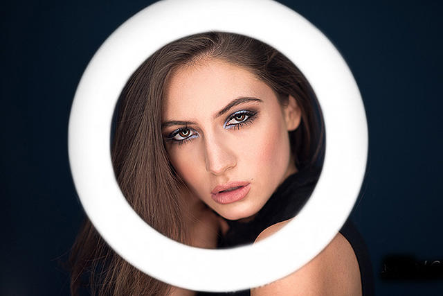 What is the best way to use a ring light?