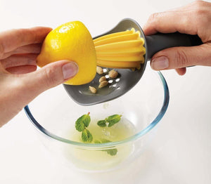 Joseph Joseph Catcher Citrus Reamer with Pip-catching Cup Grey/Yellow REAM0100AS