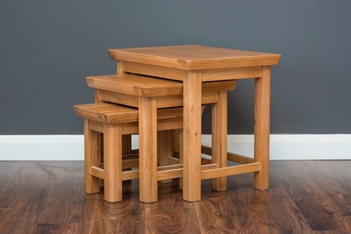 Curved Nest of 3 Tables