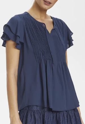 Culture ladies top CUdiantha in blue iris short sleeve pleated front
