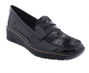 RIEKER LADIES SLIP-ON WEDGED PATENT SHOE - BLACK