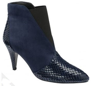 RAVEL WOMENS BARACOA PULL-ON BOOTS - NAVY SNAKE PRINT