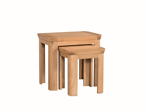 Oak Nest of 2 Tables