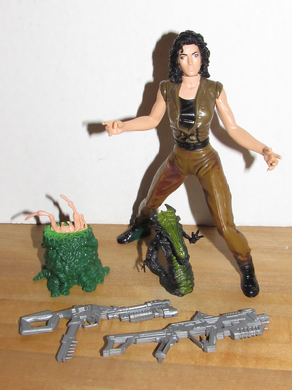 Hasbro Signature Series Alien Resurrection Movie Edition Ripley
