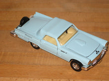 Load image into Gallery viewer, Superior/Sunnyside 1:36 Scale 1956 Ford Thunderbird Diecast Car SS 4302-3