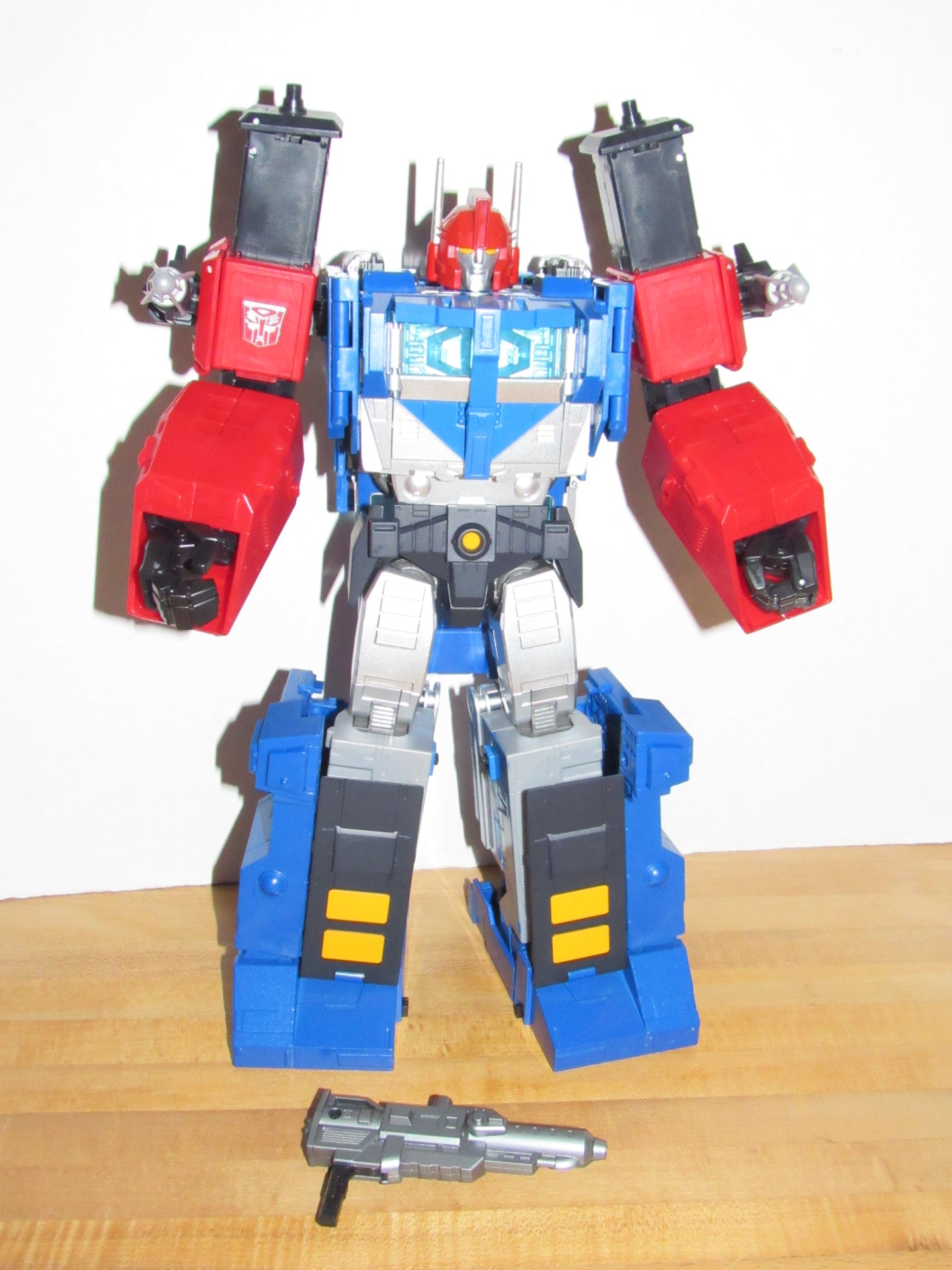 Takara Tomy Transformers Masterpiece MP-31 Delta Magnus