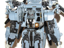 Load image into Gallery viewer, Transformers 2007 Movie Voyager Class Blackout