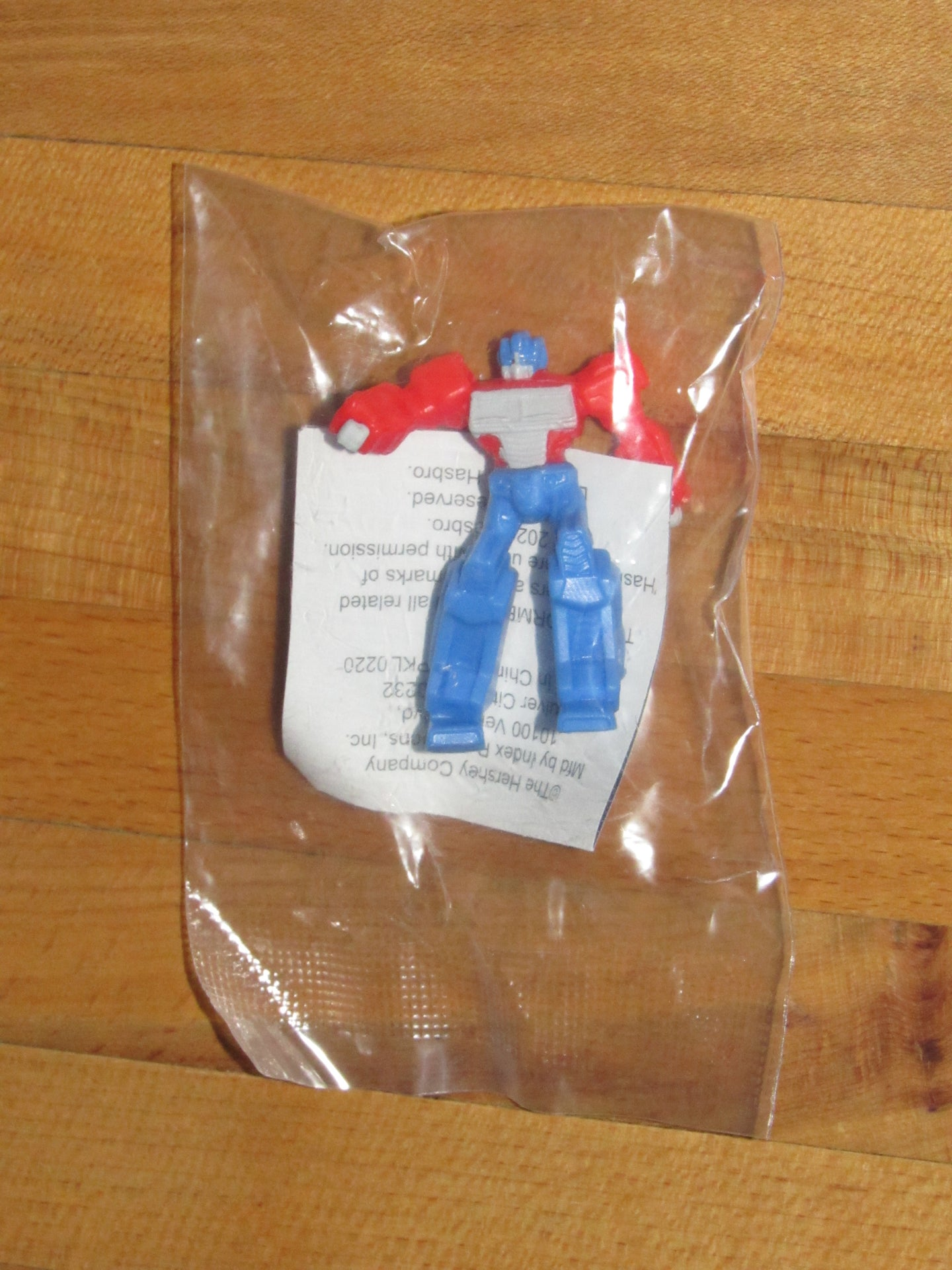 Transformers Hershey Kisses Treasure Surprise Optimus Prime Mini-Figurine