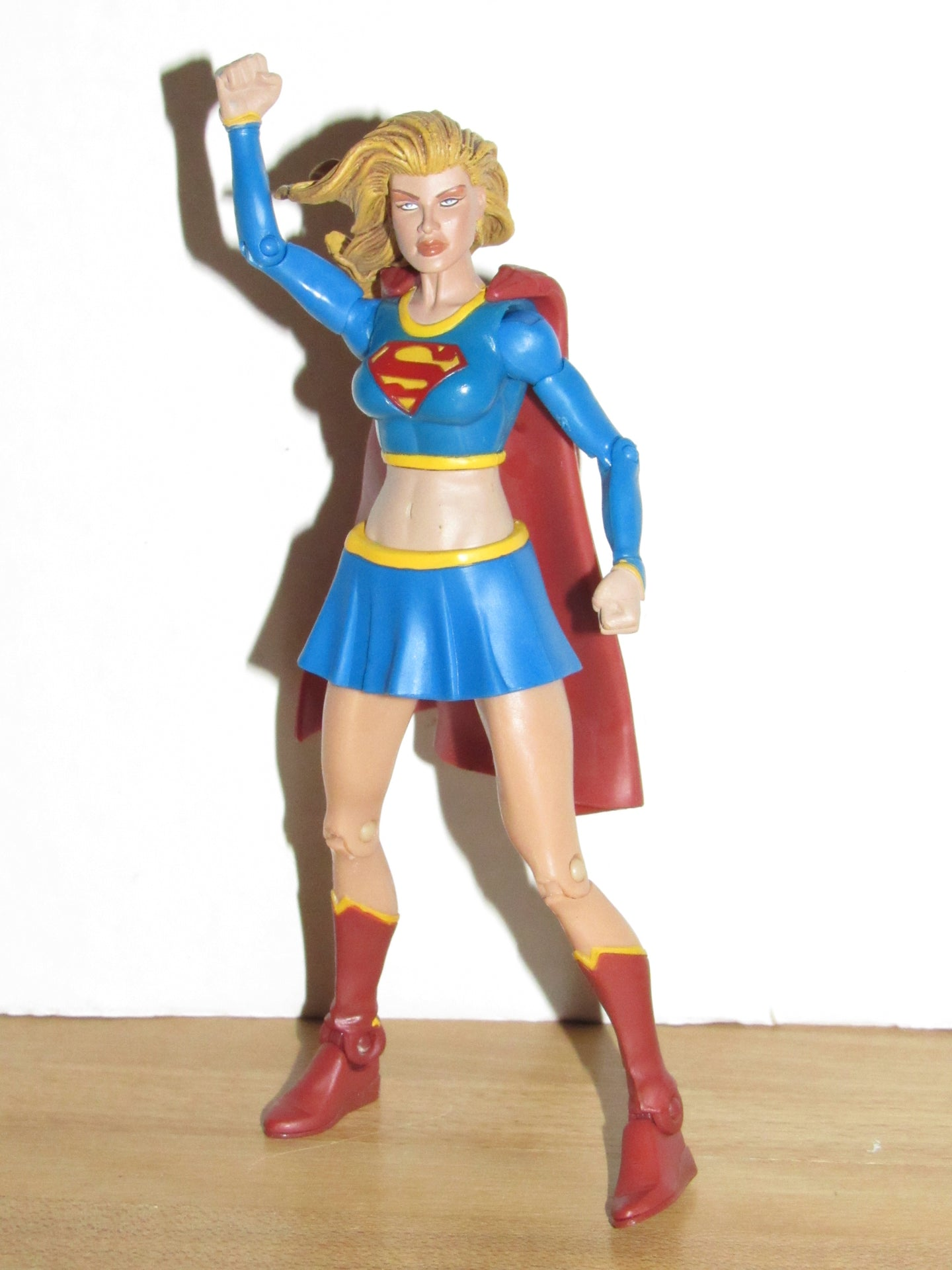Mattel DC Super Heroes Select Sculpt Series Supergirl (Modern Blue)