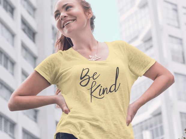Be Kind – Short-Sleeve Women's T-Shirt