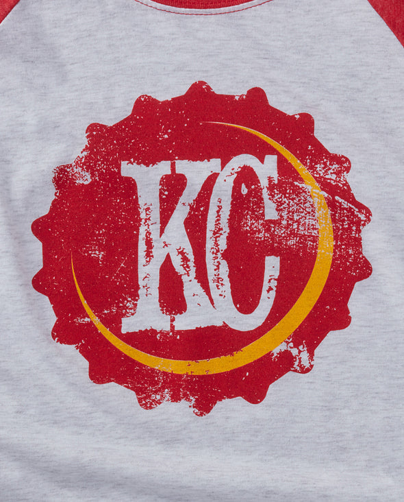 (Chiefs) KC Bottle Cap Baseball Tee
