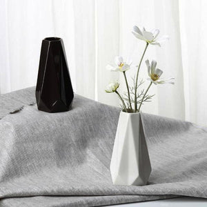 Edges&Corners Modern Geometric Ceramic Vase (White/Black) - HomDecors