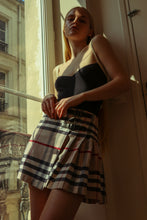 Load image into Gallery viewer, Burberry Skirt