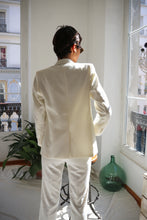 Load image into Gallery viewer, Three Pieces White Suit
