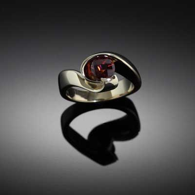Red Garnet Swirl Ring 14K YG