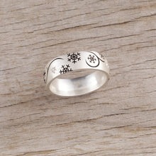 Load image into Gallery viewer, snowflake ring with crystals sterling silver snowflake ring
