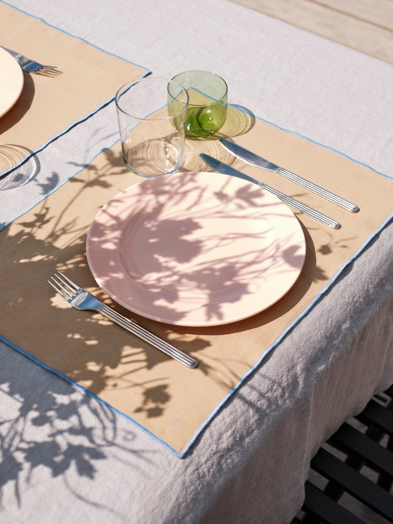 SET DE TABLE CONTOUR