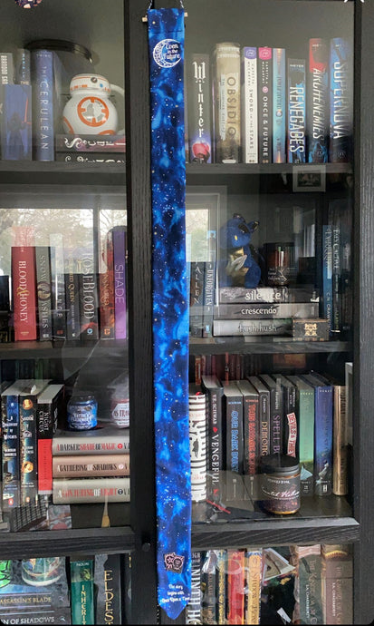 Bookshelf Pin Banners