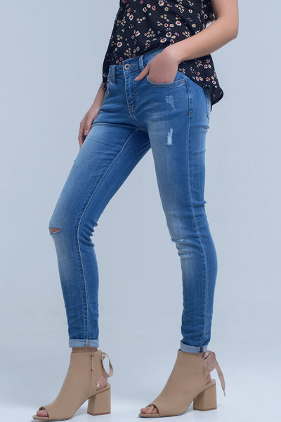 Skinny Jeans With Rips Knee