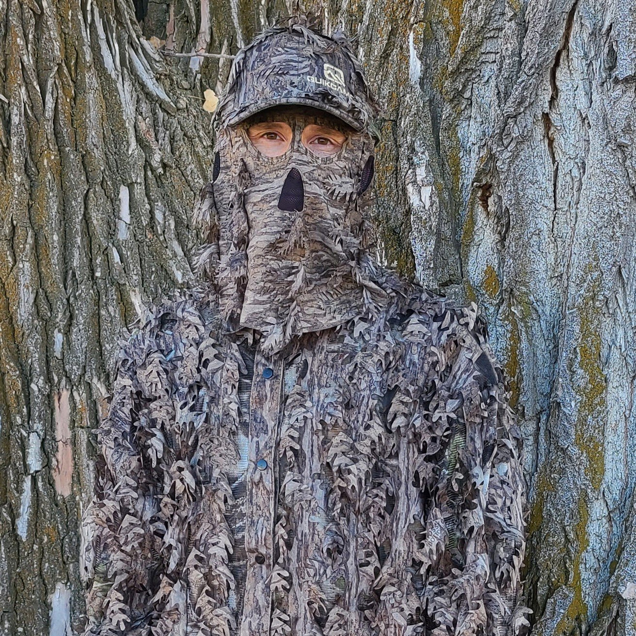 Mossy Oak New Bottomland Hat with Built-in Leafy Face Mask