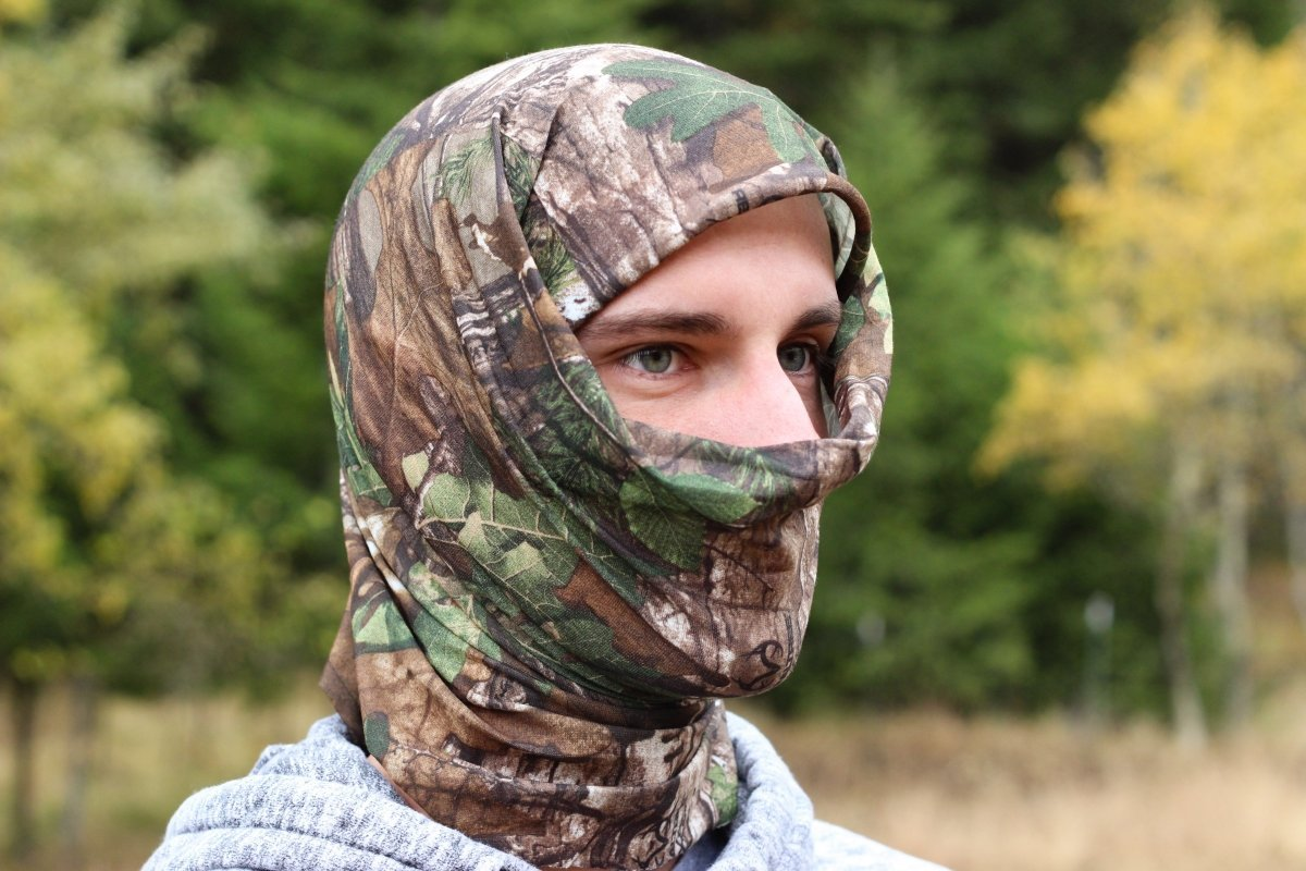 Realtree Xtra Green Camo Face Mask | Lightweight Multifunctional Headwear (OSFM) - QuikCamo