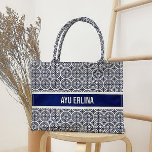 THE INITIAL TOTE BAG (12)