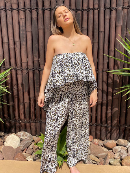 Willow Jumpsuit - Linen - bambu road - linen clothing - comfortable chic - lifestyle collection - australian resort wear - australian brand clothing - coastal fashion