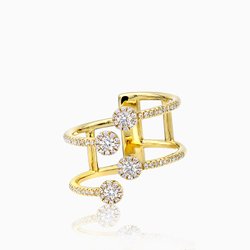 Ring with prong set Diamonds