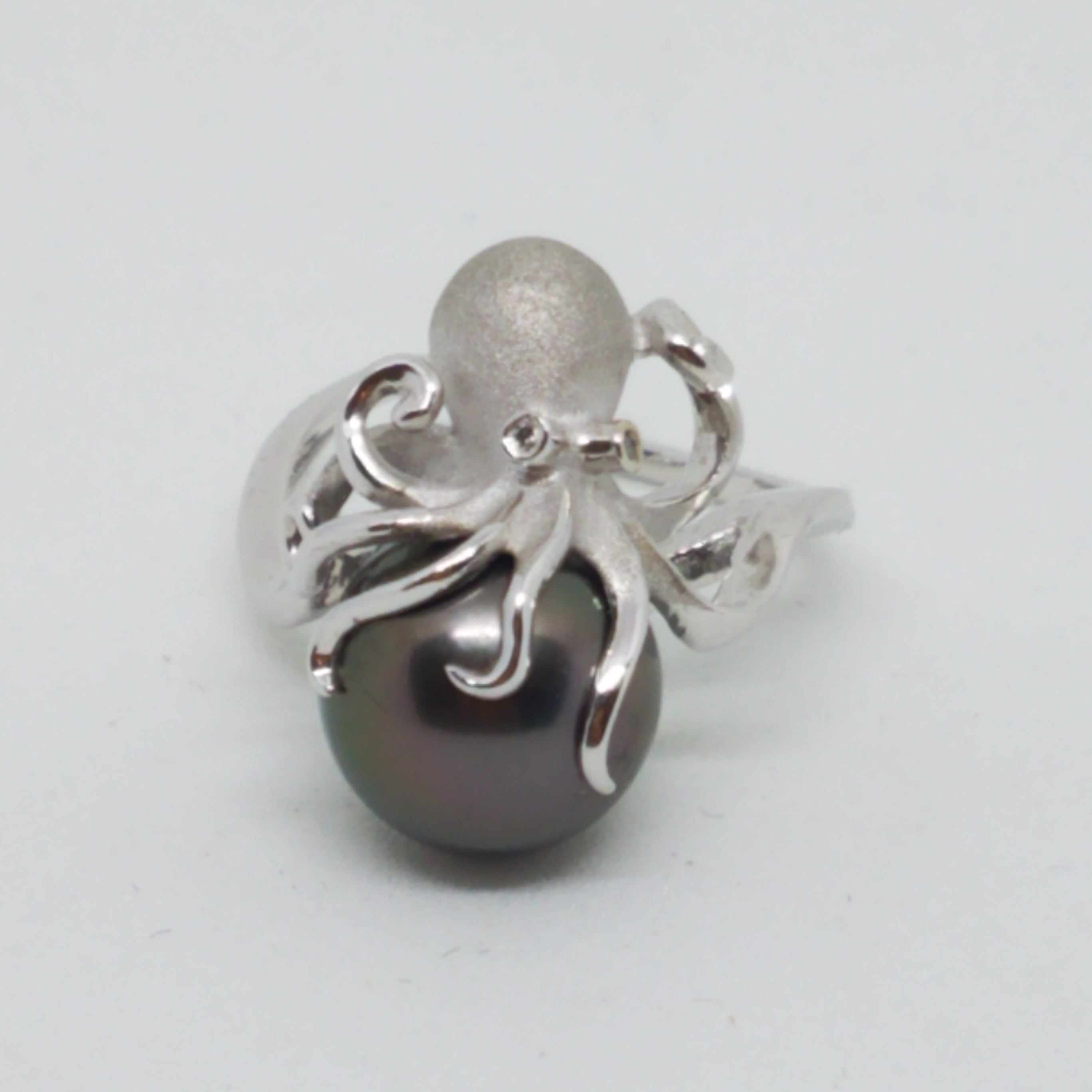 White Gold Octopus Pearl Ring