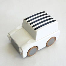 Load image into Gallery viewer, kiko  Wind-up Car