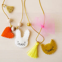 Load image into Gallery viewer, Animal Felt Charm Necklace Kit