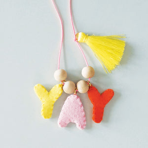 TEXT FELT CHARM NECKLACE KIT