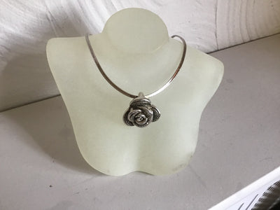 Sterling silver small rose pendent on a sterling silver chocker