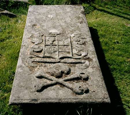 tamed winds t-shirt shop and blog, a knight templar grave at kilmartin west coast of scotland