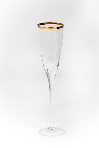 Gold Rim Champagne Flute has a gorgeous hammered gold detail on the rim. The gold details on the glass rim create a stylish finish that makes any occasion special. Wedding decor glassware Gold Hire Rent Rental Event Hire, UK, Bournemouth, Hampshire, England, Dorset